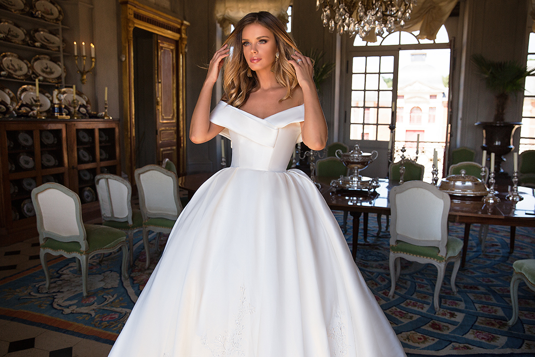 Blushing Bridal Boutique ,MillaNova, Virginia, once in the palacelace tulle-haute couture-illusion-bridal-wedding-wedding gown-woodbridge-vaughan-mississauga-toronto-gta-ontario-canada-Montreal-buffalo-rochester-NYC