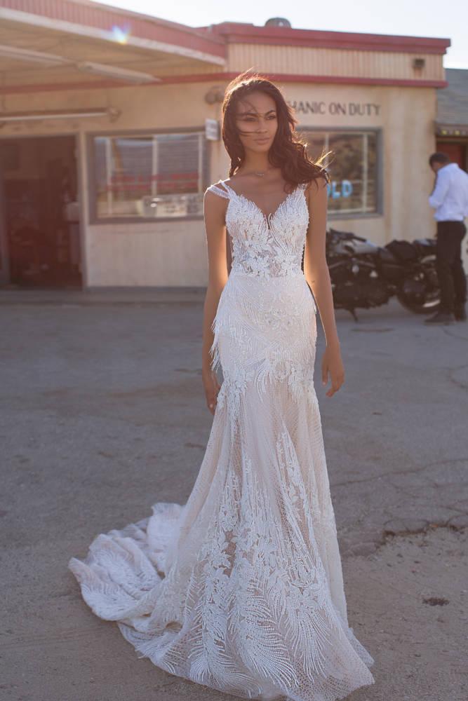 Luna, Milla Nova,California Dreaming, Blushing Bridal Boutique, Toronto, Canada, USA