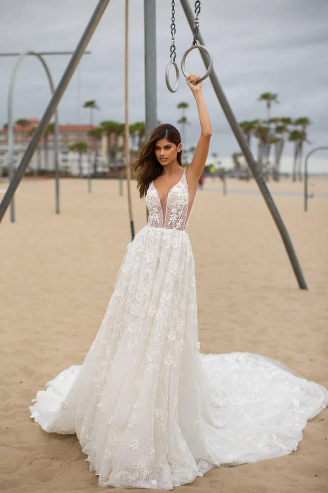 Nessa, Milla Nova, Blooming London, Blushing Bridal Boutique, Toronto, Canada, USA