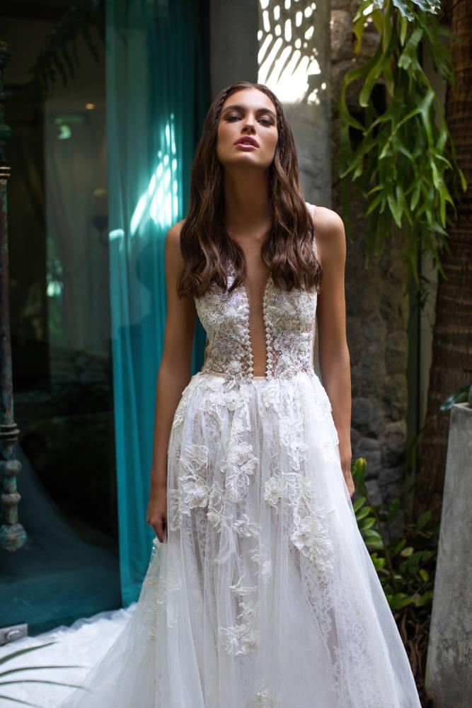 Kim,Milla, Milla Nova, Lorenzo Rossi, Blushing Bridal Boutique