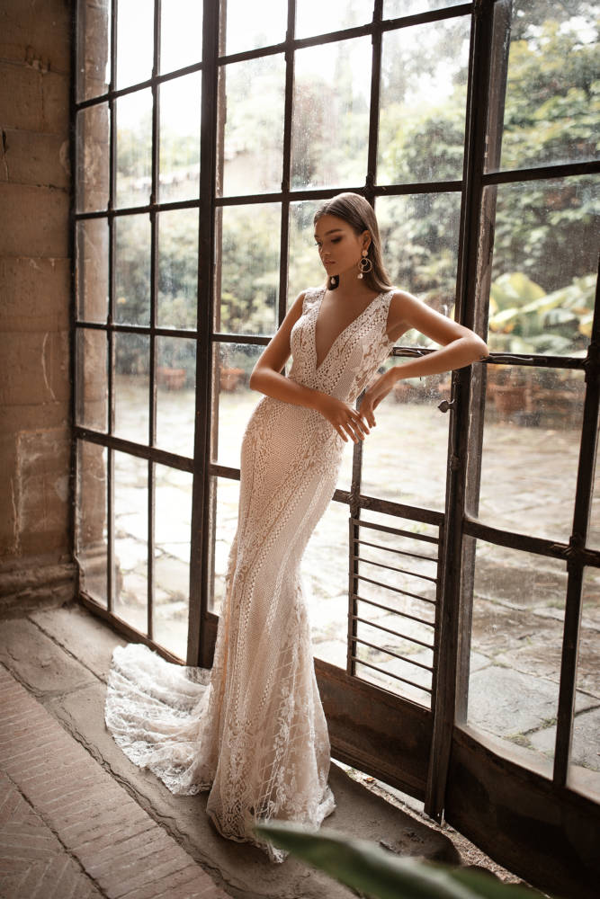 Eva, Milla Nova, Royal Collection Blushing Bridal Boutique, Toronto, Canada, USA