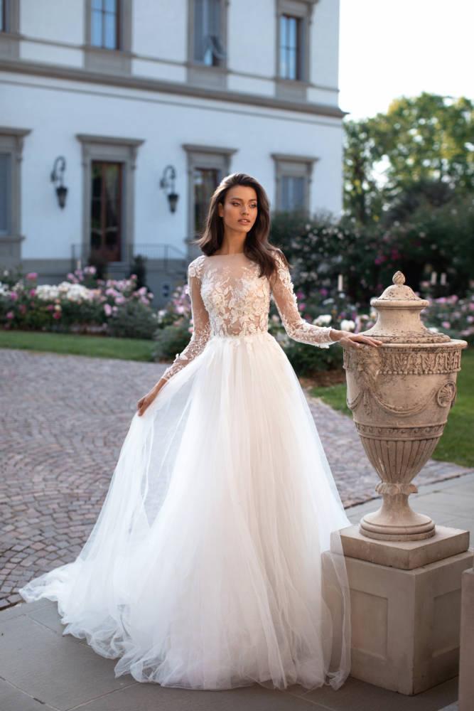 VALENTINA, Milla Nova, Royal Collection Blushing Bridal Boutique, Toronto, Canada, USA