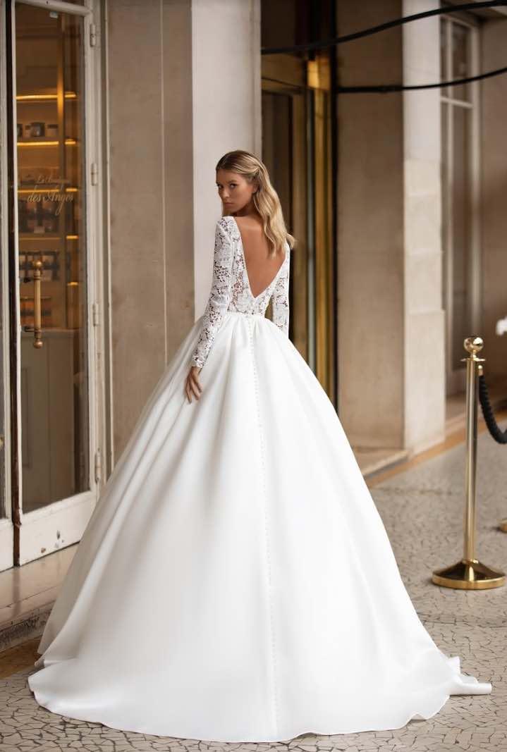 Carrie, Milla Nova, Simply Milla, Blushing Bridal Boutique