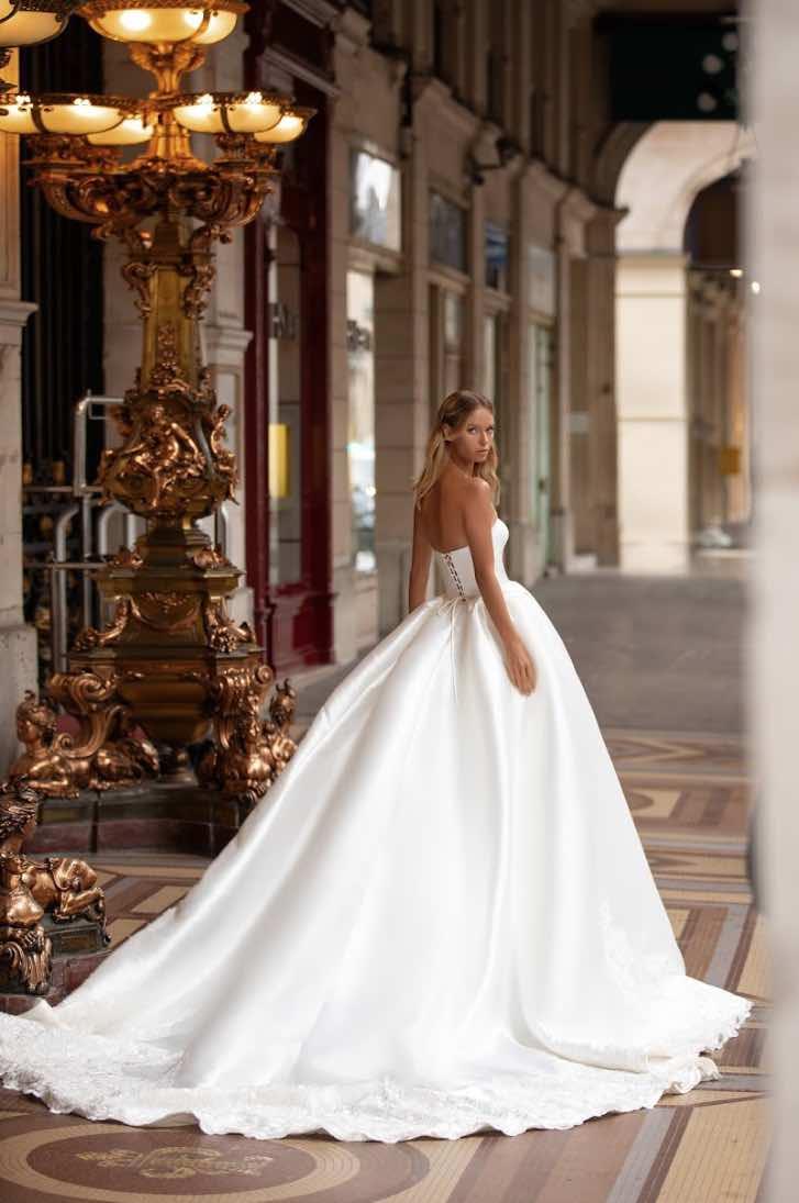 Kortney, Milla Nova, Simply Milla, Blushing Bridal Boutique