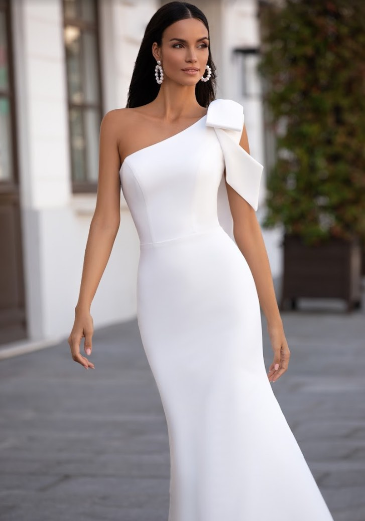 Amandine ,Lorenzo Rossi, Milla Nova Simply Milla, Blushing Bridal Boutique