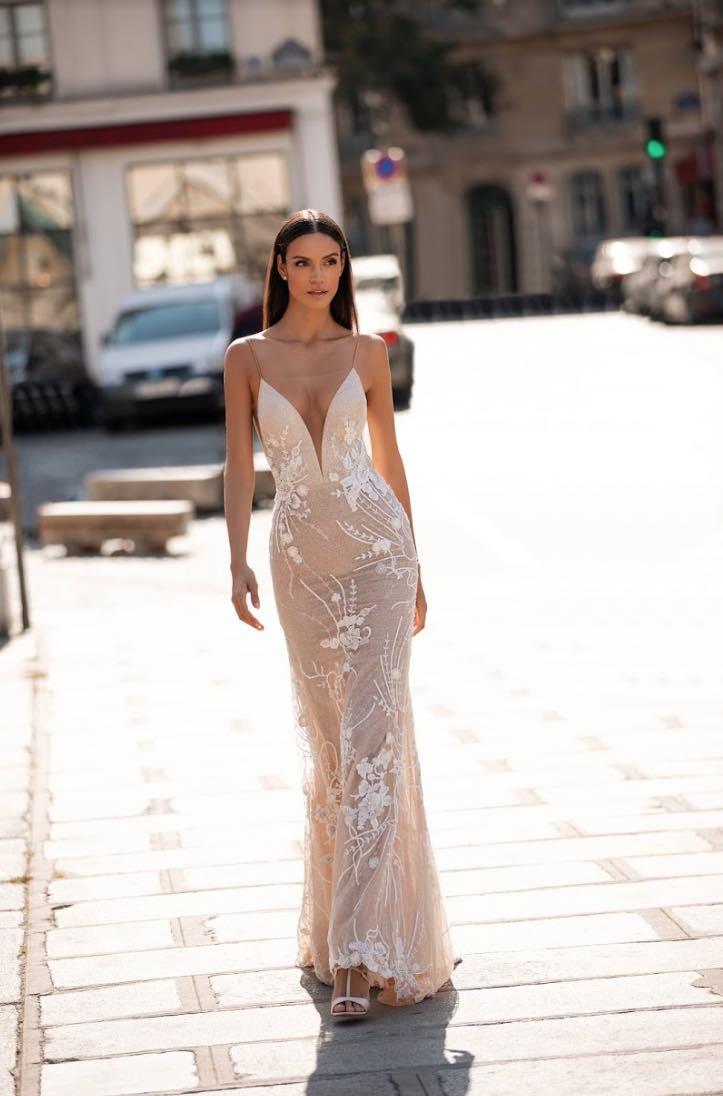 Daisy ,Lorenzo Rossi, Milla Nova Simply Milla, Blushing Bridal Boutique