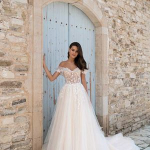 Molly, Ari Villoso, Venice, Say Yes, Blushing Bridal Boutique, Toronto