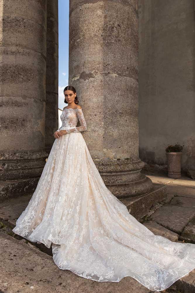Diana, Ari Villoso, Allure Tones, Blushing Bridal Boutique, Toronto, Canada, USA
