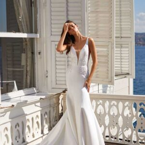 Elia, Milla Nova, White & Lace Blushing Bridal Boutique, Toronto, Canada, USA