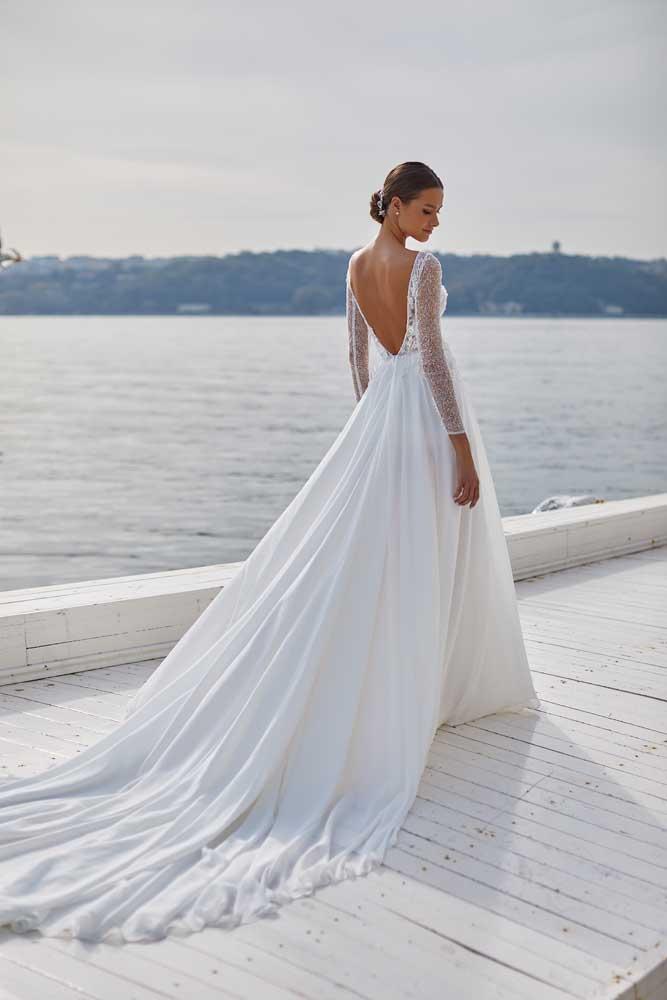 Hailey, Milla Nova, White & Lace Blushing Bridal Boutique, Toronto, Canada, USA