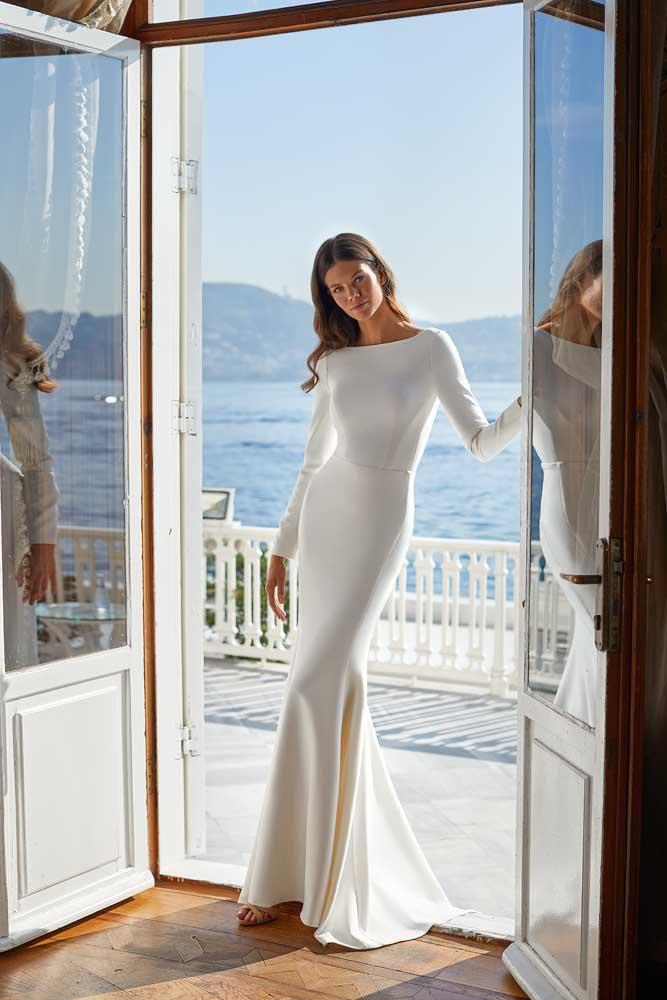 Ulyana, Milla Nova, White & Lace Blushing Bridal Boutique, Toronto, Canada, USA