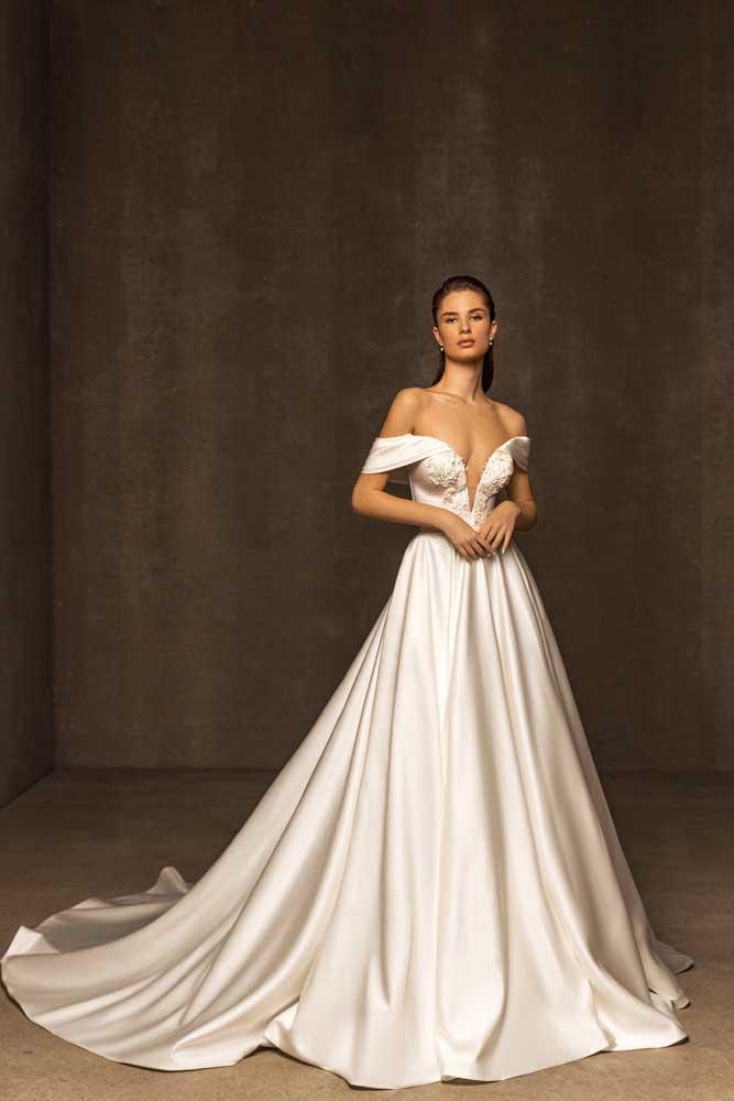 Nyla, Ari Villoso, Capsule ,Blushing Bridal Boutique, Toronto, Canada, USA