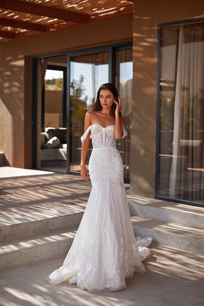 Asya, Milla Nova, Lorenzo Rossi, Milla by Lorenzo Rossi , White Label, Blushing Bridal Boutique, Toronto, Canada, USA