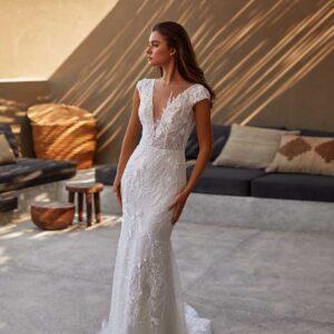 Vera, Milla Nova, Lorenzo Rossi, Milla by Lorenzo Rossi , White Label, Blushing Bridal Boutique, Toronto, Canada, USA