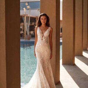 Kristina, Milla Nova, Lorenzo Rossi, Milla by Lorenzo Rossi , White Label, Blushing Bridal Boutique, Toronto, Canada, USA